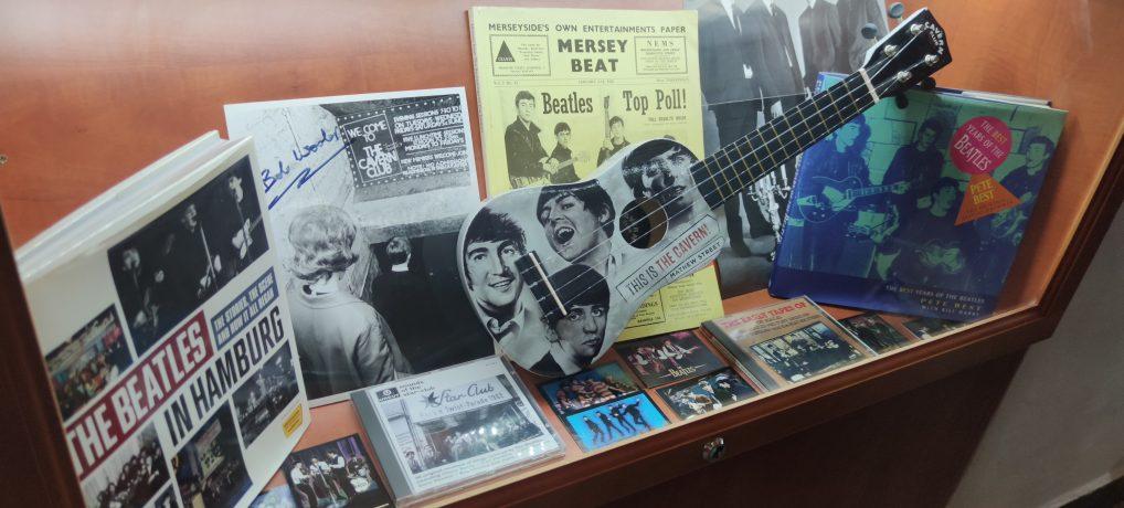 Nyaralós Trilógia – Beatles Múzeum